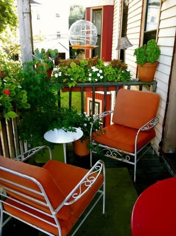 Small apartment balcony garden ideas