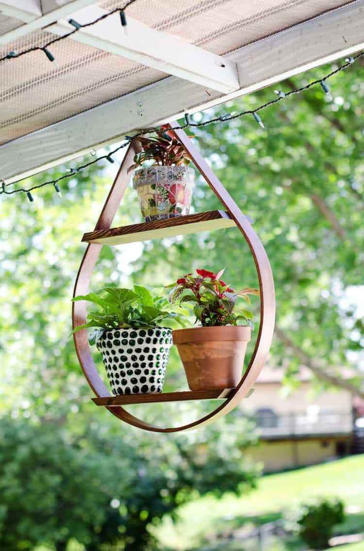 73 Hanging Planter Ideas to Try in All Seasons - MORFLORA on Hanging Plant Stand Ideas  id=88540